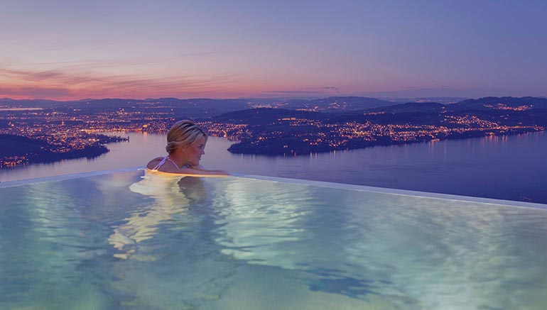 Infinity Pool mit view...